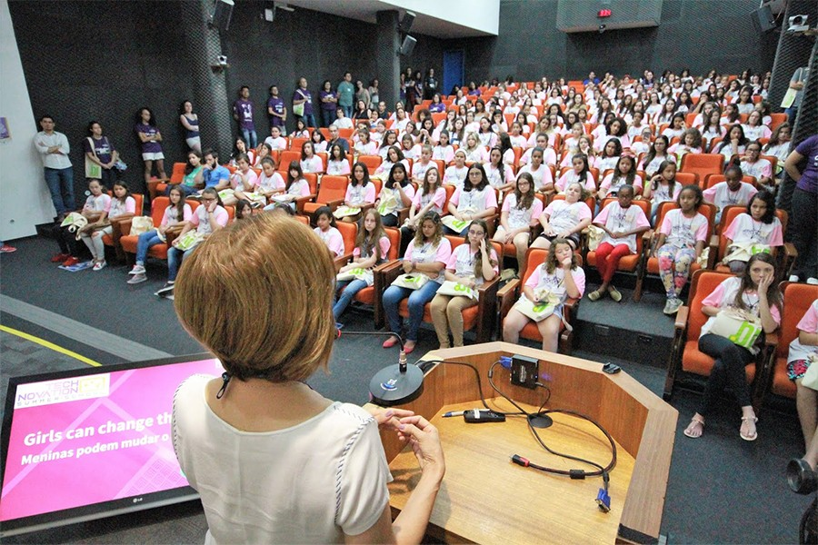 Começa a Technovation Summer School for Girls